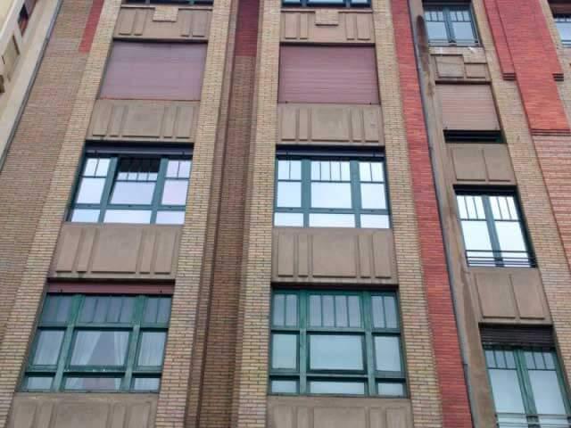 Ventanas edificio Eusa